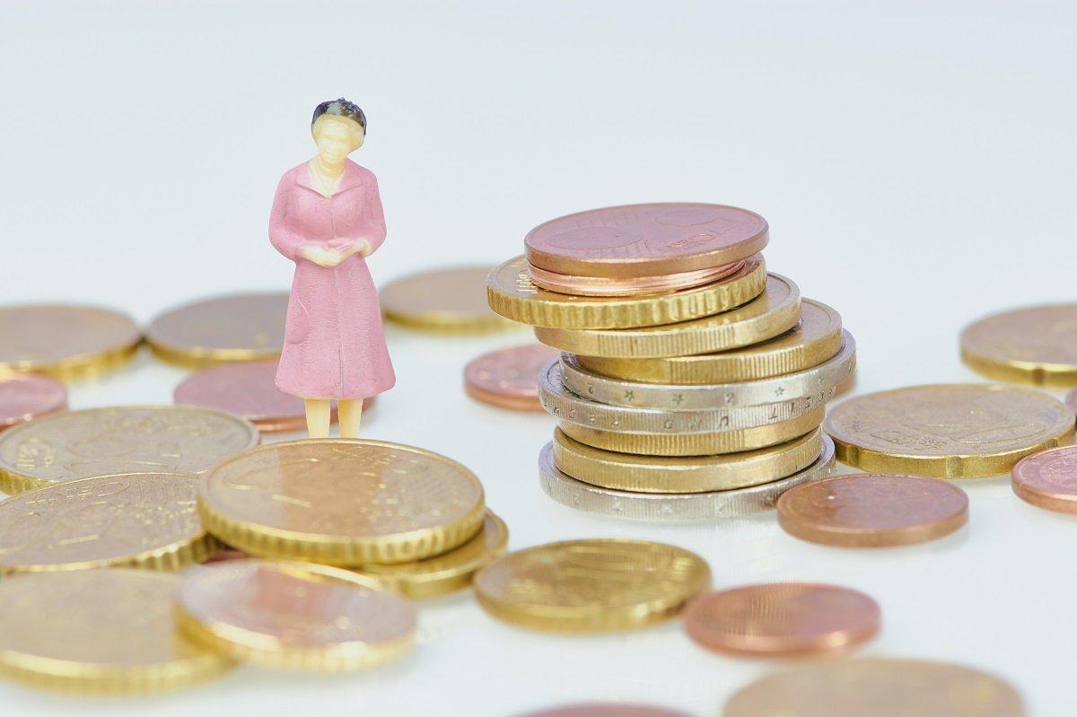 50代シングル女性、離別・死別世帯の資産状況が危ない!?