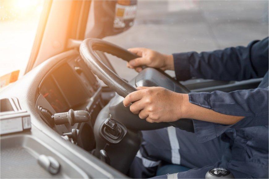 営業用普通・小型貨物自動車運転者の給料はどのくらいか