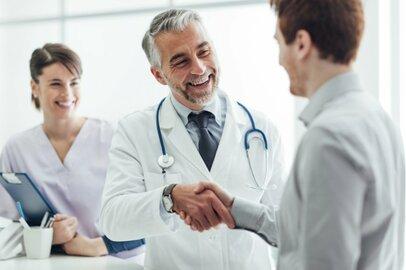 医師の給料はどのくらいか