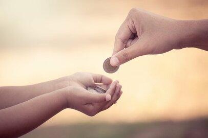子どものお小遣はいくらが相場?月の平均額と定額制のメリット