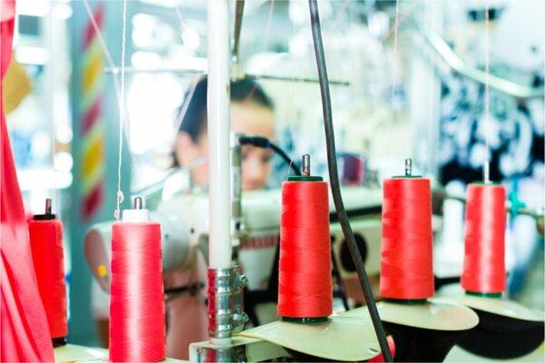 女性の化繊紡糸工の給料はどのくらいか